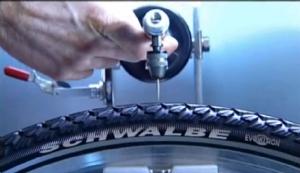 Film: Schwalbe - Entwicklung eines Reifens