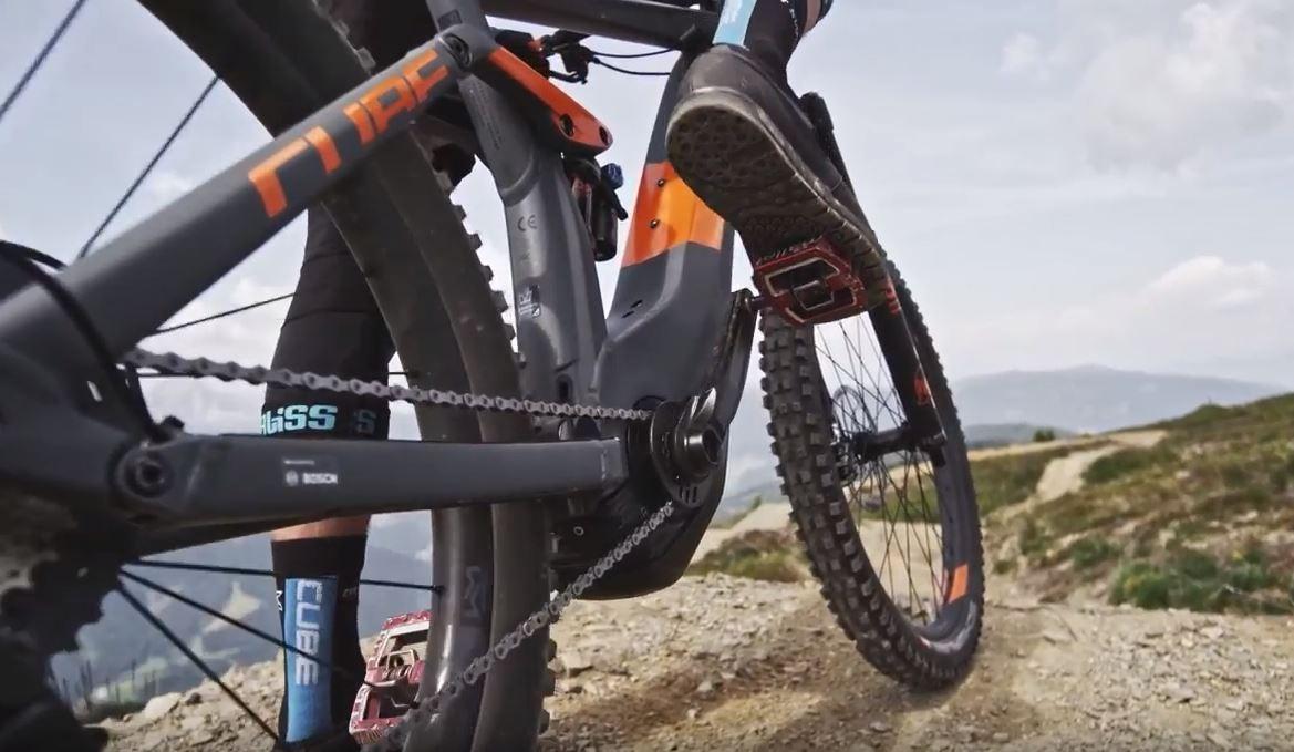Film: Cube - Stereo Hybrid 140